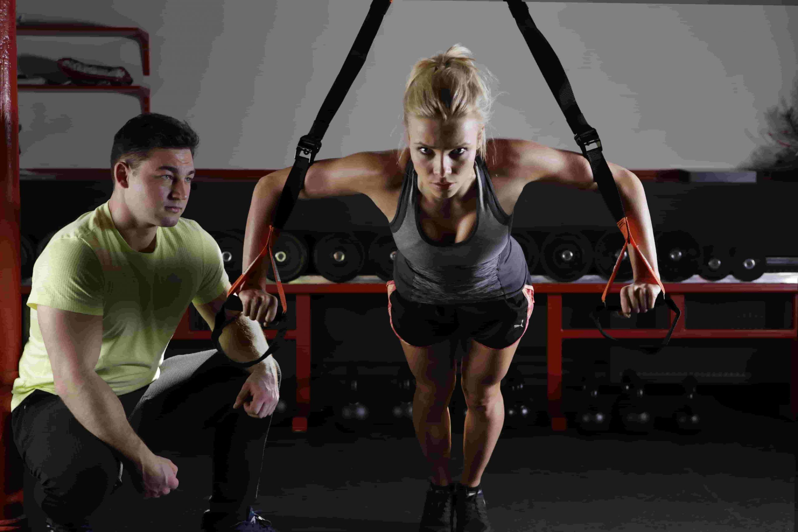 Fitnessstudio oder Homegym
